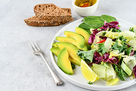 Salad with Avacado and Toast